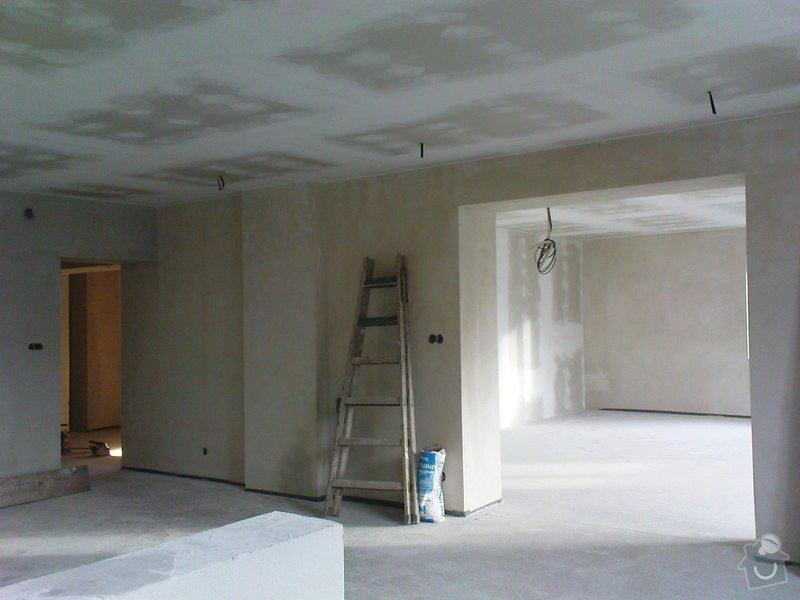 Stropní podhledy a příčky ze sádrokartonu: DSC00042