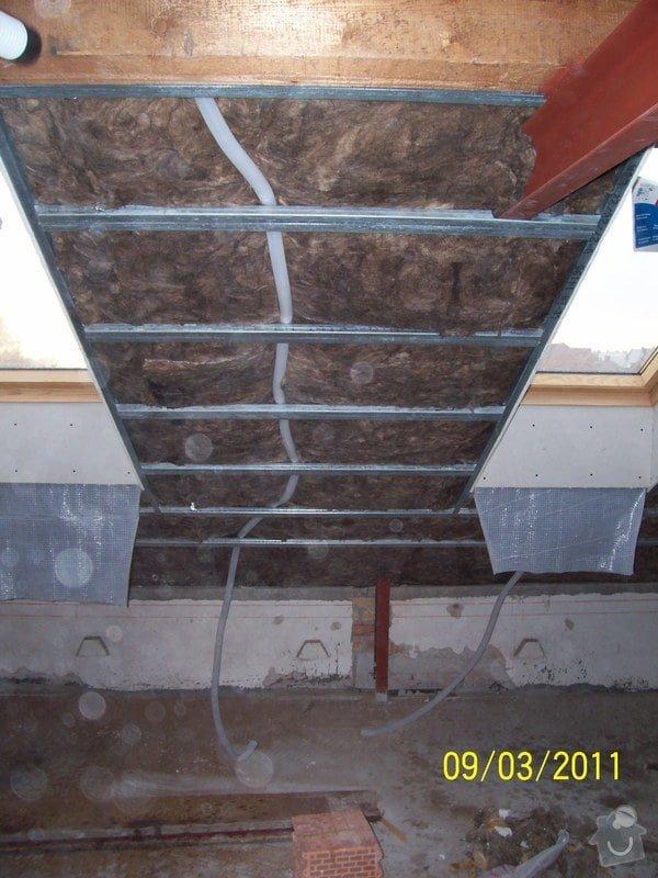 Sádrokartonářské obklady-stropy, stěny, podkroví, schody: 100_5378
