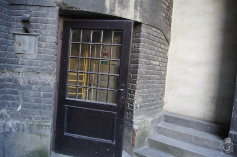 Oprava starých dveří na dvůr: _DSC3775