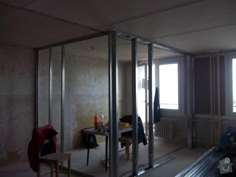 Příčky a stropy v bytě 4+kk: 104_0819