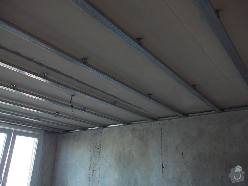 Příčky a stropy v bytě 4+kk: 104_0826
