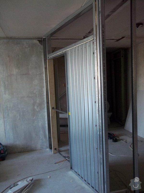 Příčky a stropy v bytě 4+kk: 104_0825