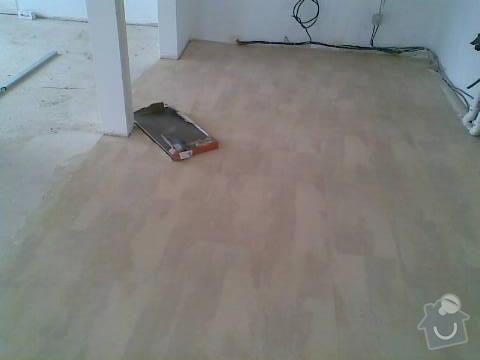 Pokládka VINYLOVÉ podlahy 10.5m2: Obraz044