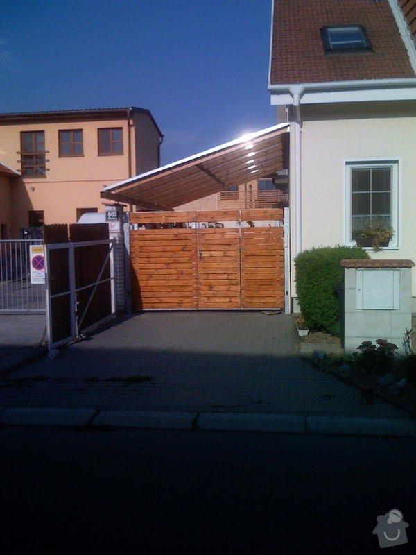 Elektricky otvíraná vrata a zástěny pozemku: 065