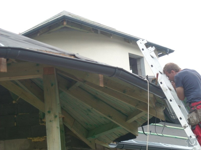 Pokrytí střechy šindelí + klempířské práce: snimek_054
