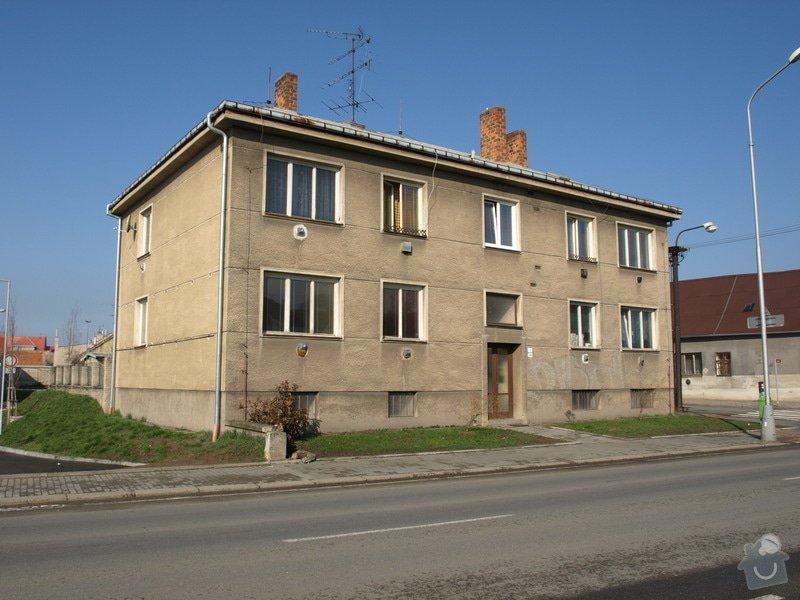 Oprava vchodových dveří bytového domu: P4032106