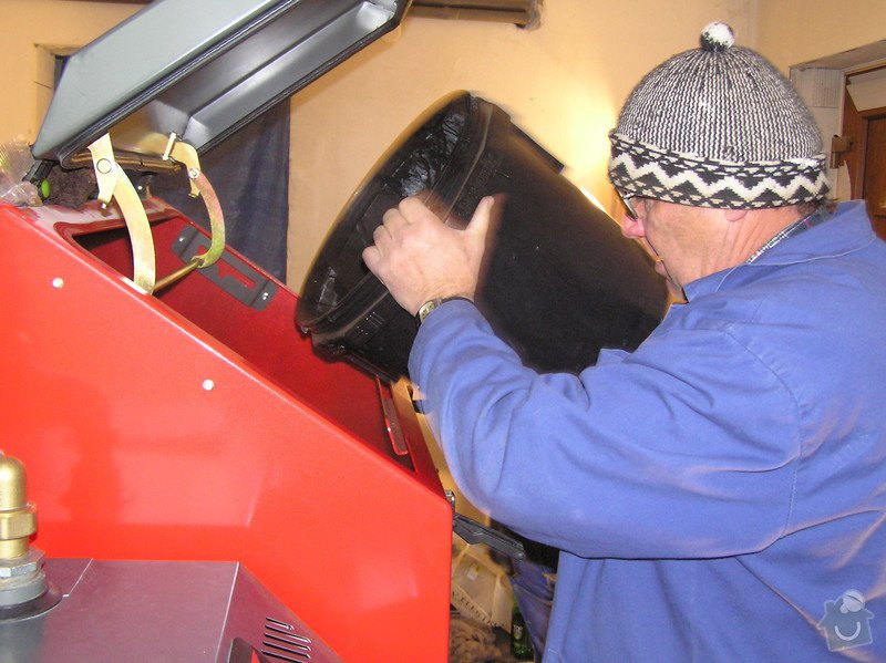 Instalace automatického kotle na tuhá paliva DEFRO AGRO Uni 15 kW v novostavbě RD: 014