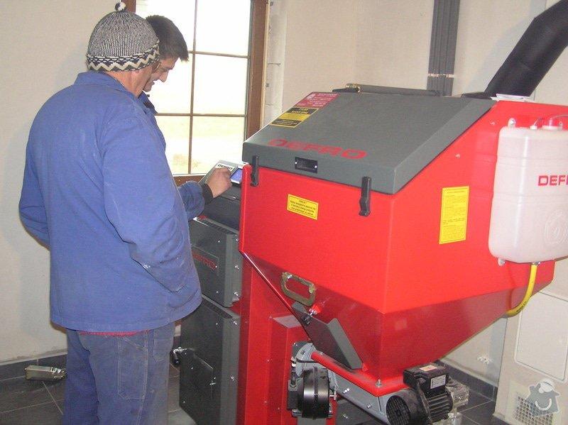 Instalace automatického kotle na tuhá paliva DEFRO AGRO Uni 15 kW v novostavbě RD: 023