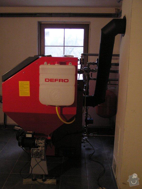 Instalace automatického kotle na tuhá paliva DEFRO AGRO Uni 15 kW v novostavbě RD: 026