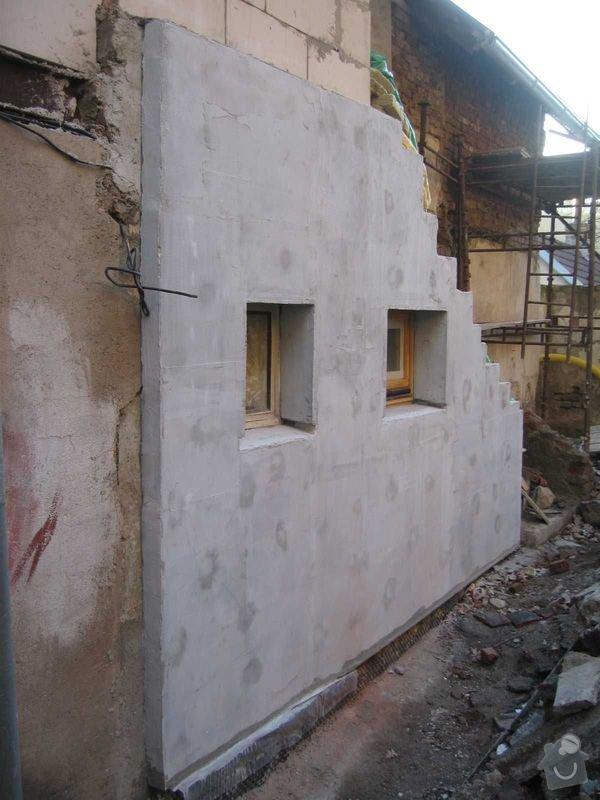 Rekonstrukce domu: mistnost_podschodi_3