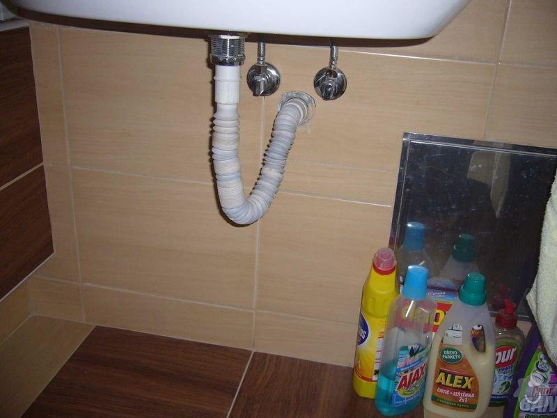 Koupelnový nábytek: P1040346