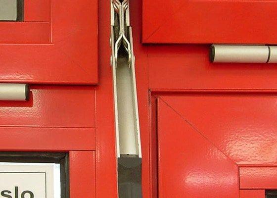 Oprava otevírání výklopných hliníkových oken a jejich údržba