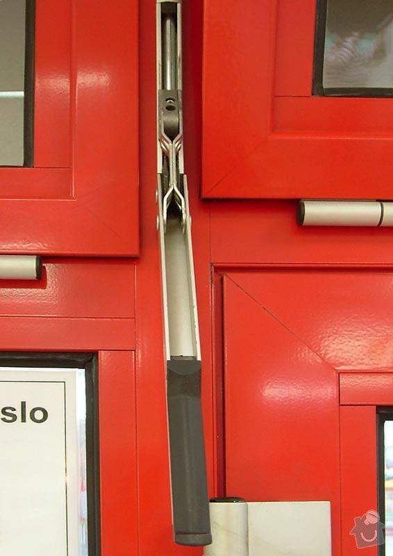 Oprava otevírání výklopných hliníkových oken a jejich údržba: okno_zavirani