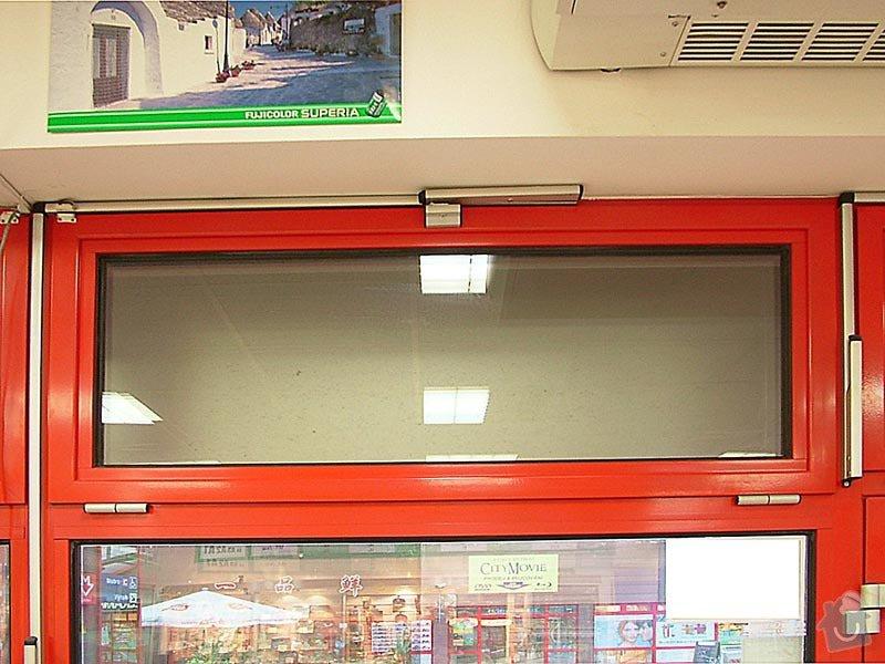 Oprava otevírání výklopných hliníkových oken a jejich údržba: okno