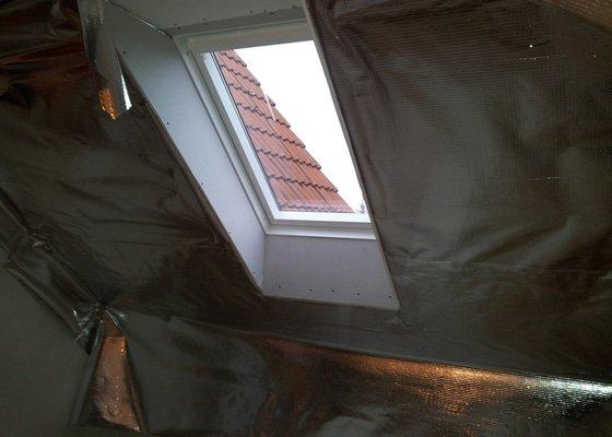 Oprava šikminy a výměna střešního okna
