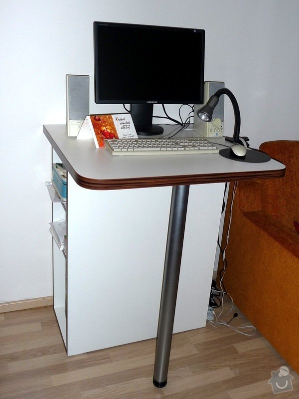 Výroba pultu (stolku) pod monitor: P1050728_up