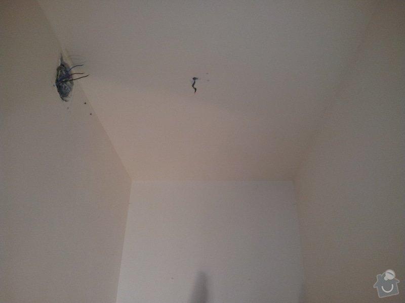 Podhled s bodovým osvětlením a zateplení stropu v soc.zařízení: 20120109_103514