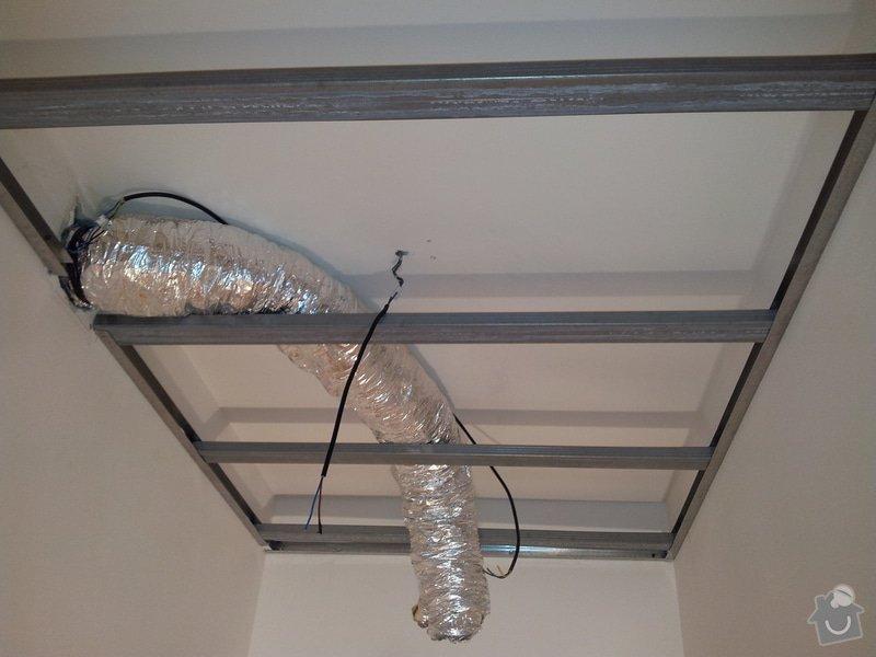 Podhled s bodovým osvětlením a zateplení stropu v soc.zařízení: 20120109_142655