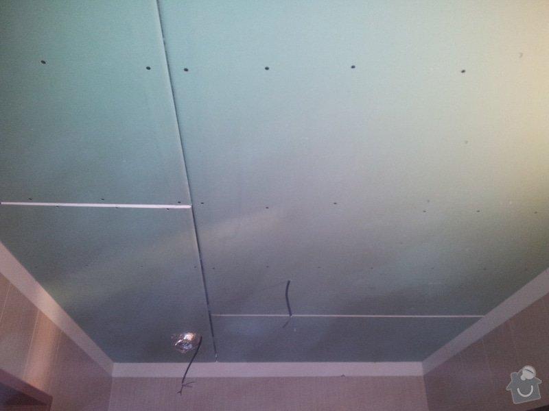 Podhled s bodovým osvětlením a zateplení stropu v soc.zařízení: 20120109_153256