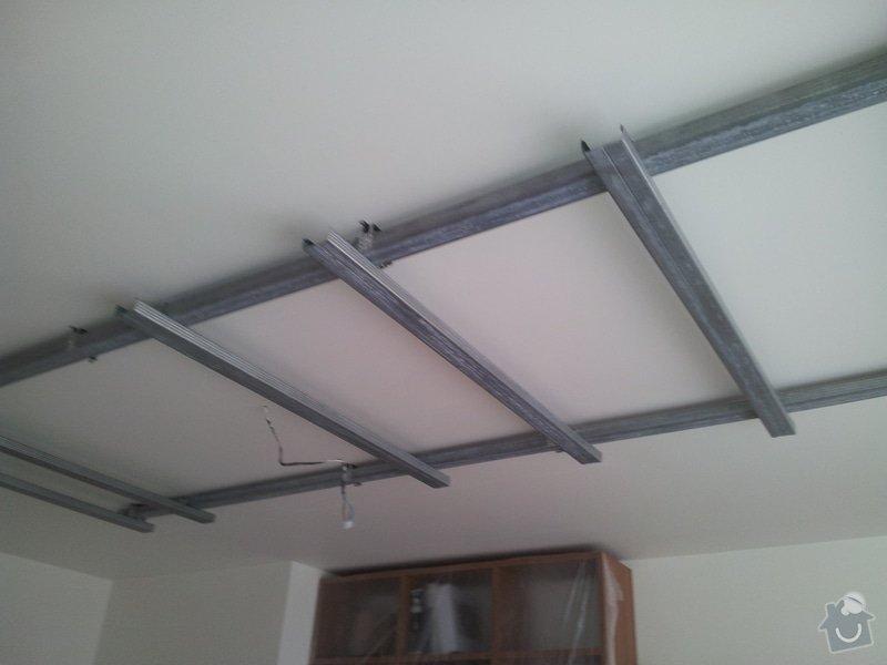 Podhled s bodovým osvětlením a zateplení stropu v soc.zařízení: 20120110_100207