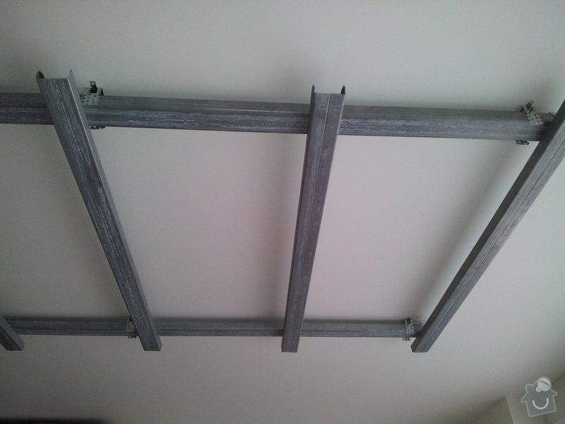 Podhled s bodovým osvětlením a zateplení stropu v soc.zařízení: 20120110_100224