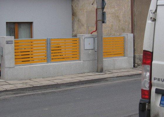 Výroba 9 ks plotových polí,branka a samonosné brány.