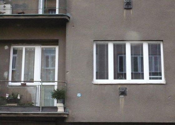 Výměna oken na činžovním domě