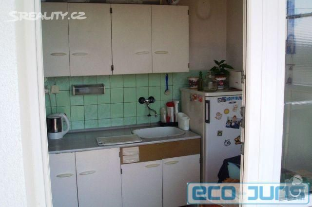Rekostrukce bytu: kuchynsky_kout