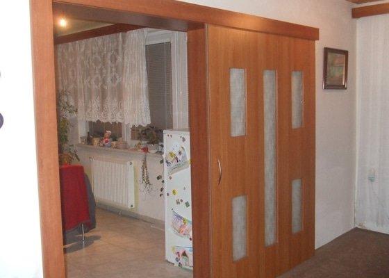 Posuvné dveře + obložka
