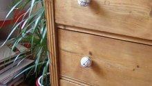 Šatní skříň a knihovna z masivu (borovice, smrk)