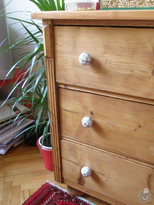 Šatní skříň a knihovna z masivu (borovice, smrk): P1150282