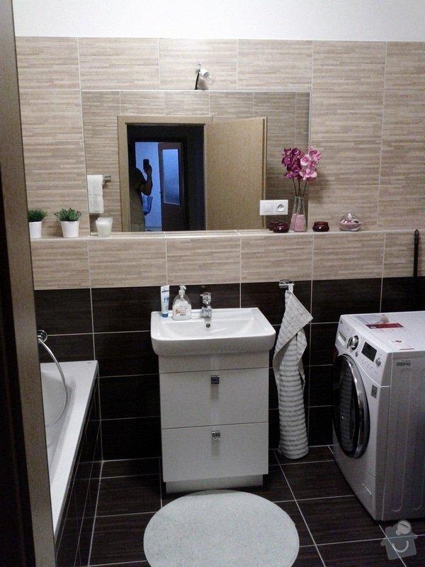 Uřezání 2 zrcadel na míru a jejich přidělání ke zdi: IMG_20120125_230315