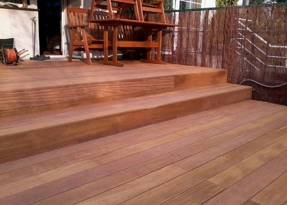 Pokládka terasy z exotického dřeva,