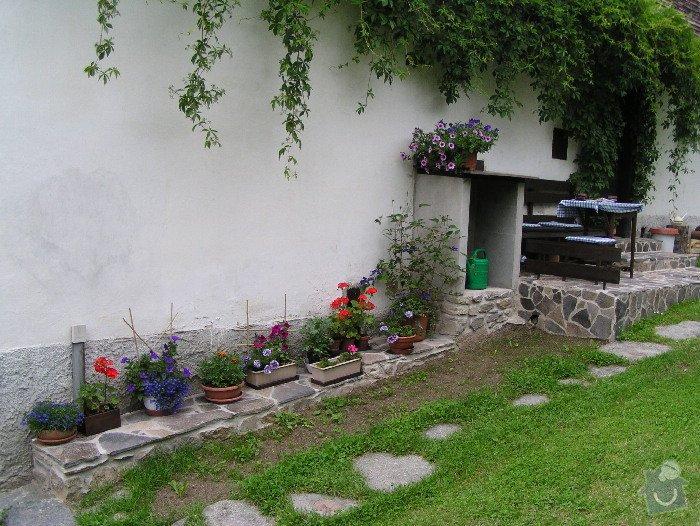 Položení dlažby z kamene a obložení zdí.: vv