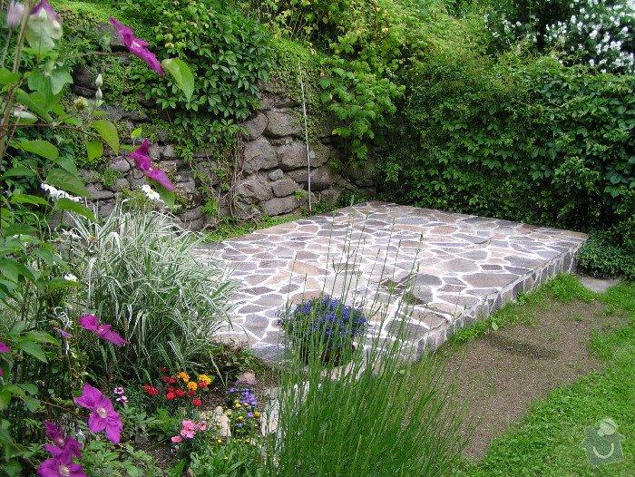 Položení dlažby z kamene a obložení zdí.: P6265342_2_