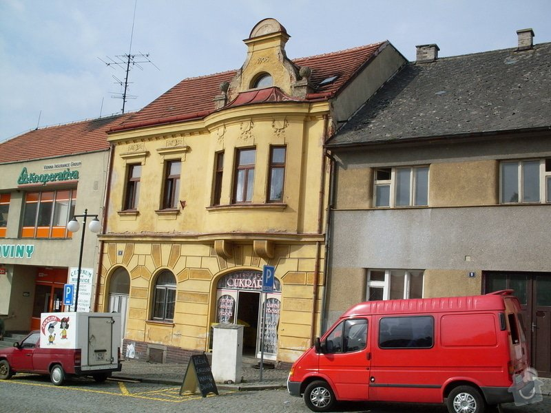 Rekonstrukce historické secesní fasády - Cukrárna v Mirovicích: Pred_rekonstrukci