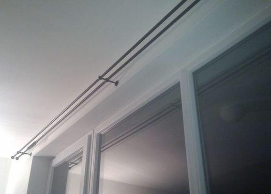 Instalace osvětlení, montáž okenních tyčí, montáž drobných věcí v koupelně