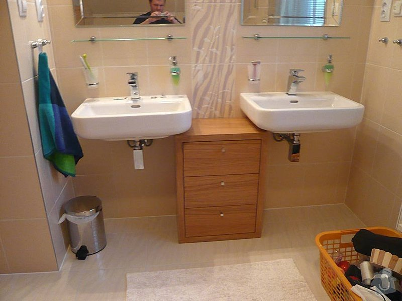 Postel a koupelnový nábytek: 1