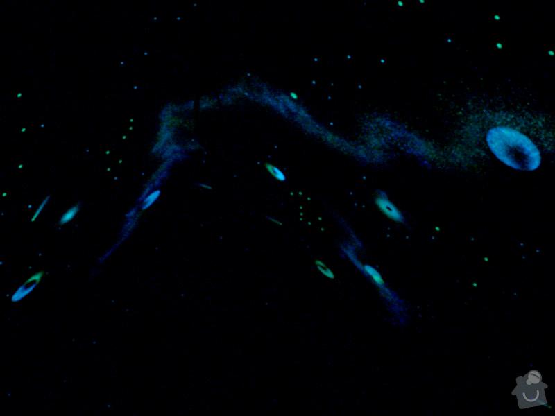 Hvězdný strop v půdním prostoru: P1200394