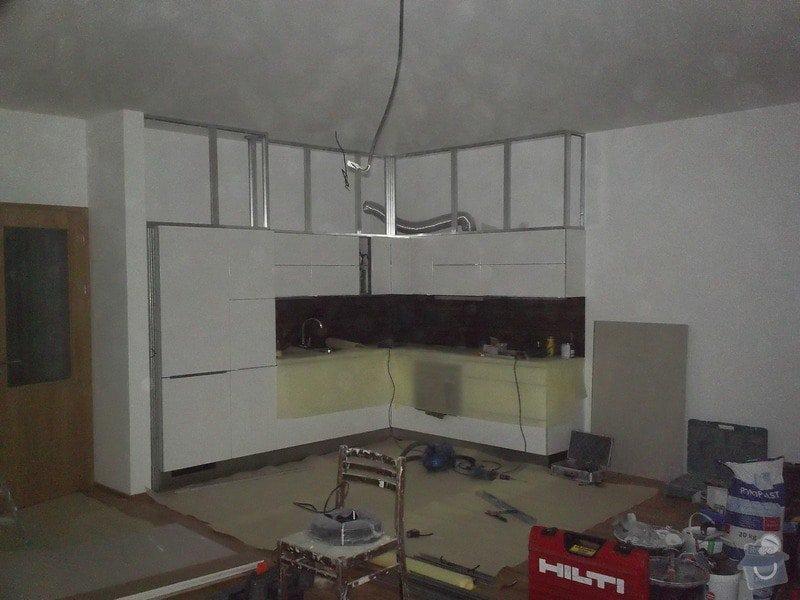 Sádrokartonové zakrytí nad kuchyní: 100_0236