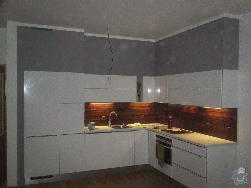 Sádrokartonové zakrytí nad kuchyní: 100_0252