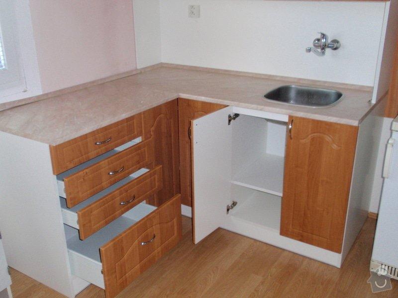 Výroba a montáž kuchyňské linky: P2052275