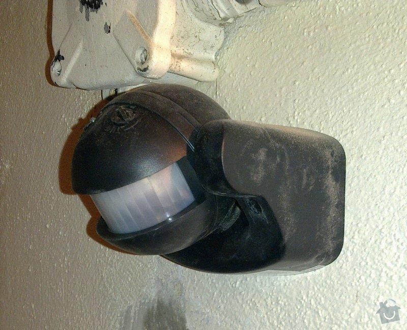 Oprava a úprava osvětlení na schodišti v panelovém domě: 011
