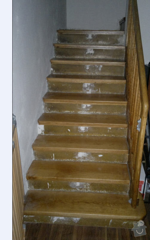 Dřevěné schodiště - postranice, podesty: schody3