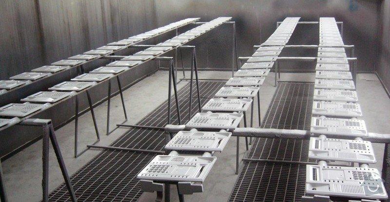 Lakování (nástřik, stříkání) plastových dílů: P1010021