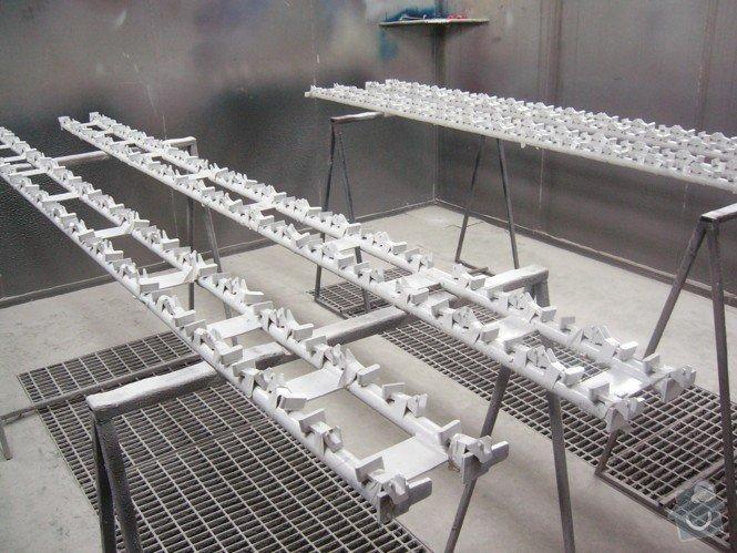 Lakování (nástřik, stříkání) plastových dílů: P1010112