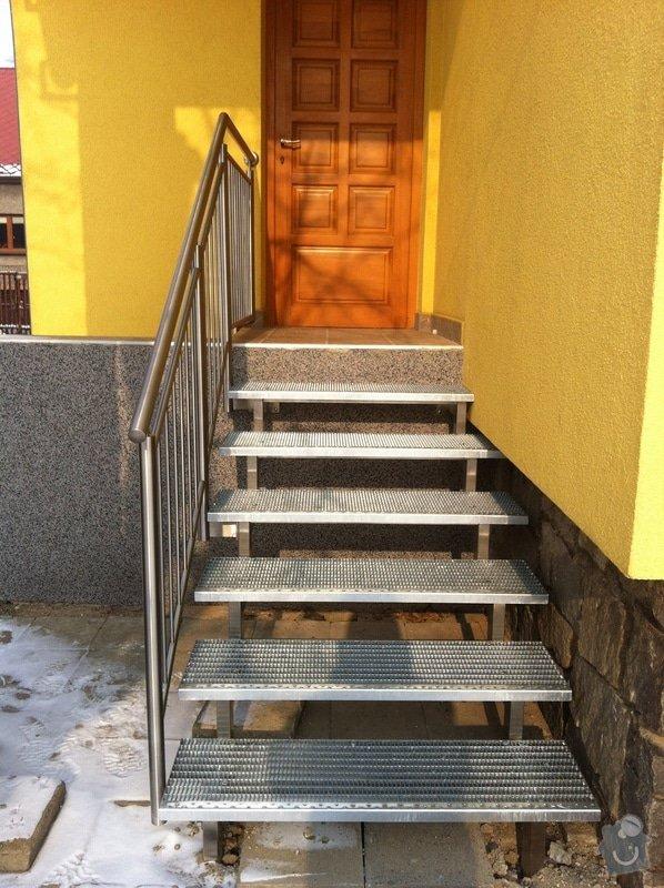 Nerezové zábradlí balkónu a nerezové schody: IMG_2994