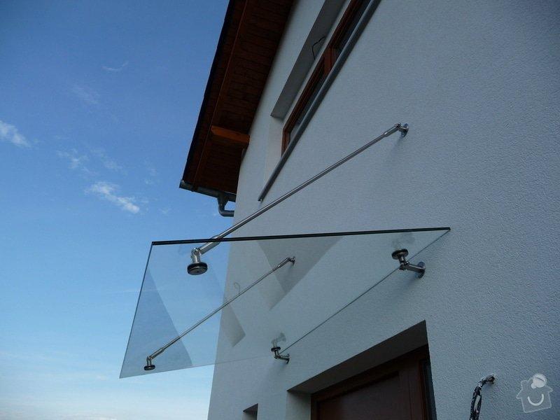Skleněný přístřešek a zábradlí na francouzském okně: P1050241