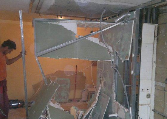 Přestavba SDK bytového jádra za zděné+rekonstrukce kuchyně a chodby