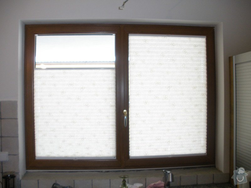 Plissé + žaluzie + Plissé do stř.oken: P2150018